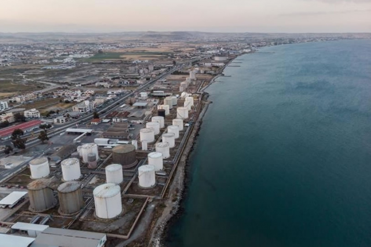 The procedures for moving the oil facilities from Larnaca are in progress